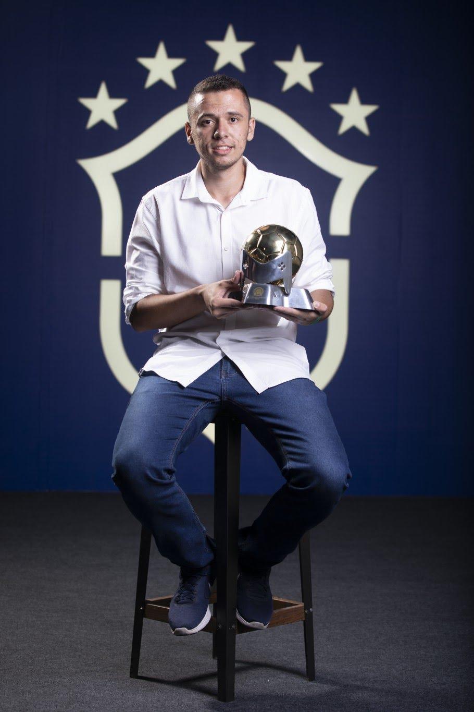 Thiago 'Avaré' é homenageado no Prêmio Brasileirão 2019